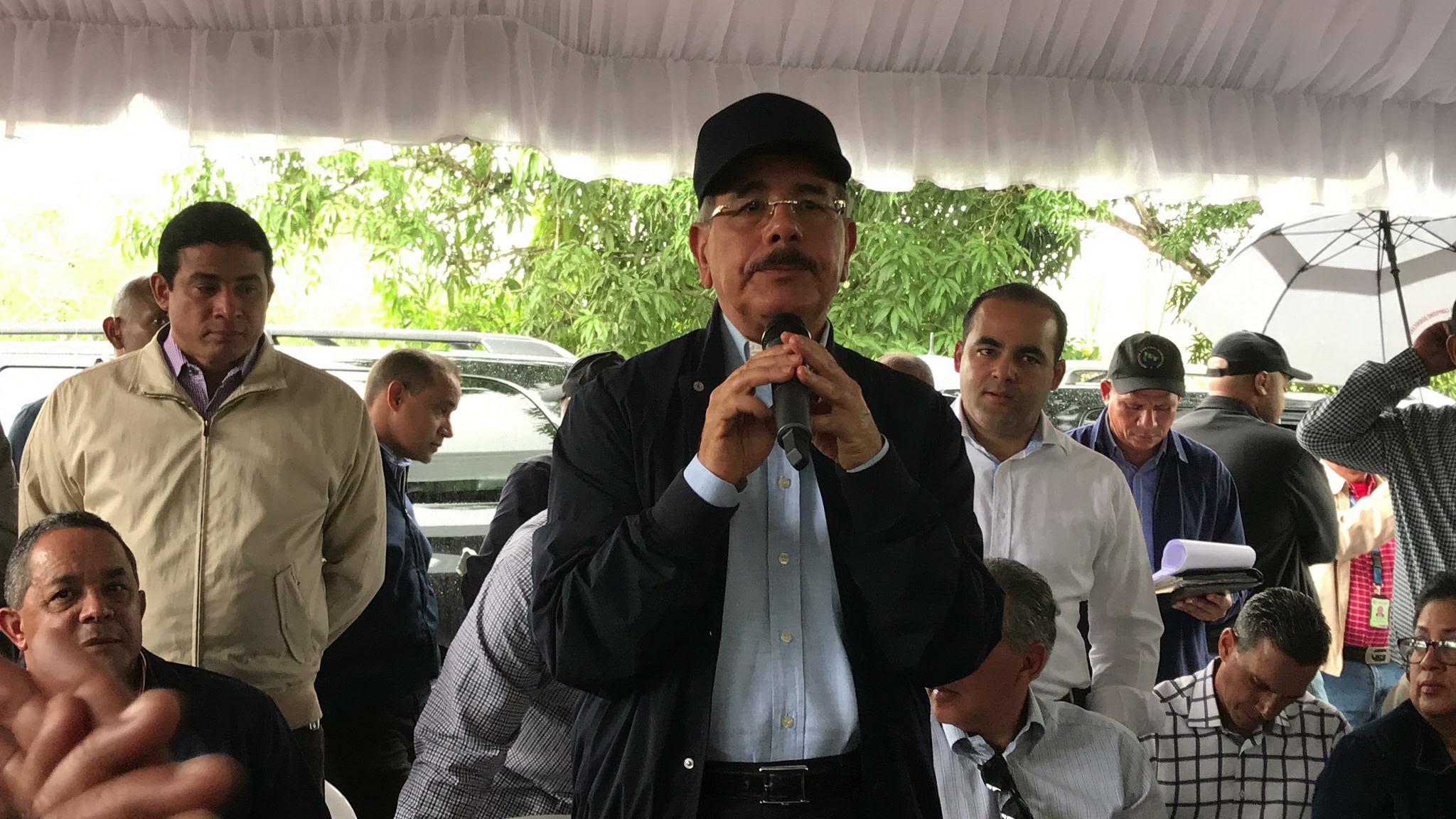 , Danilo visita parceleros de Guanuma