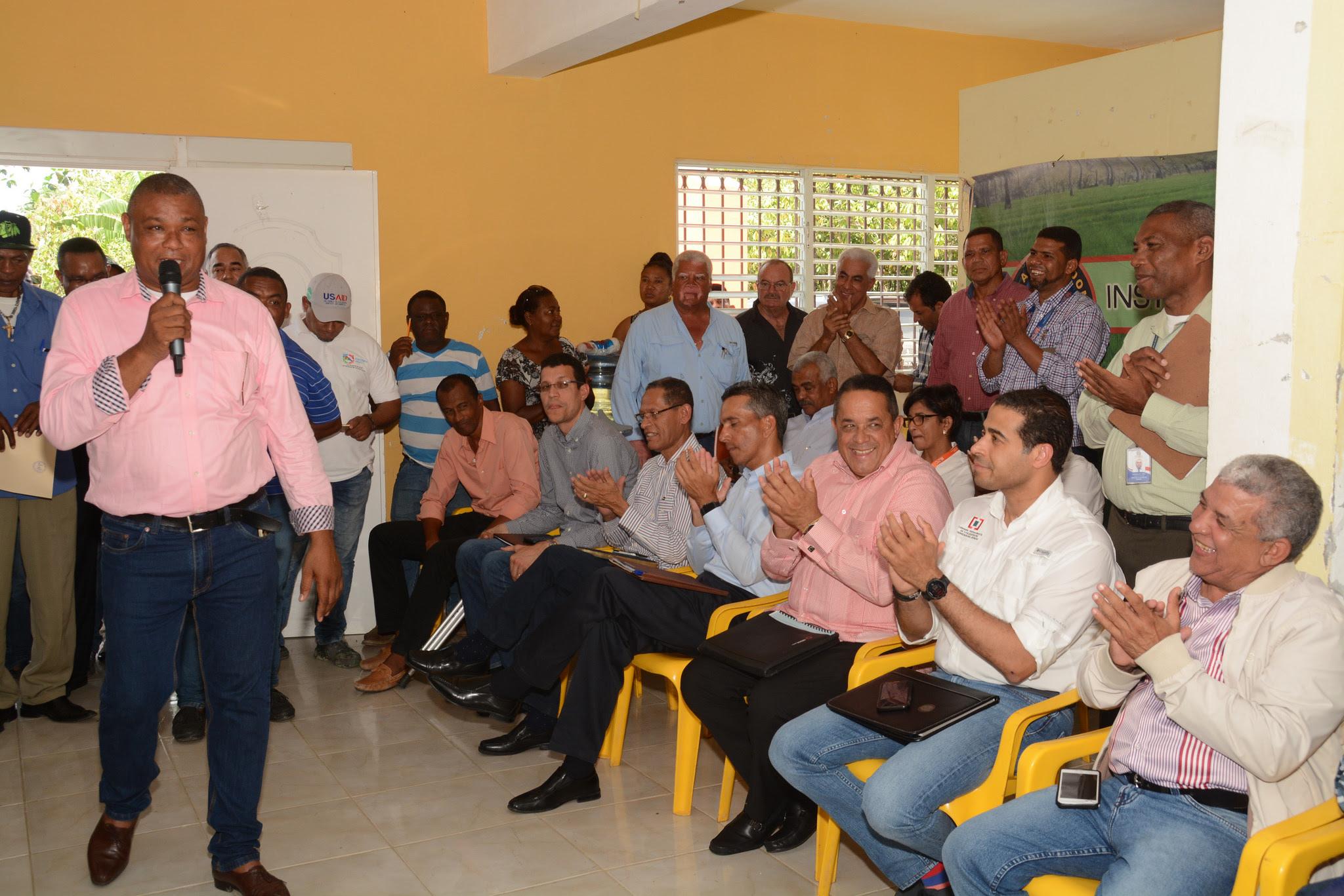 , Comisión designada por Danilo Medina se reúne con productores El Seibo