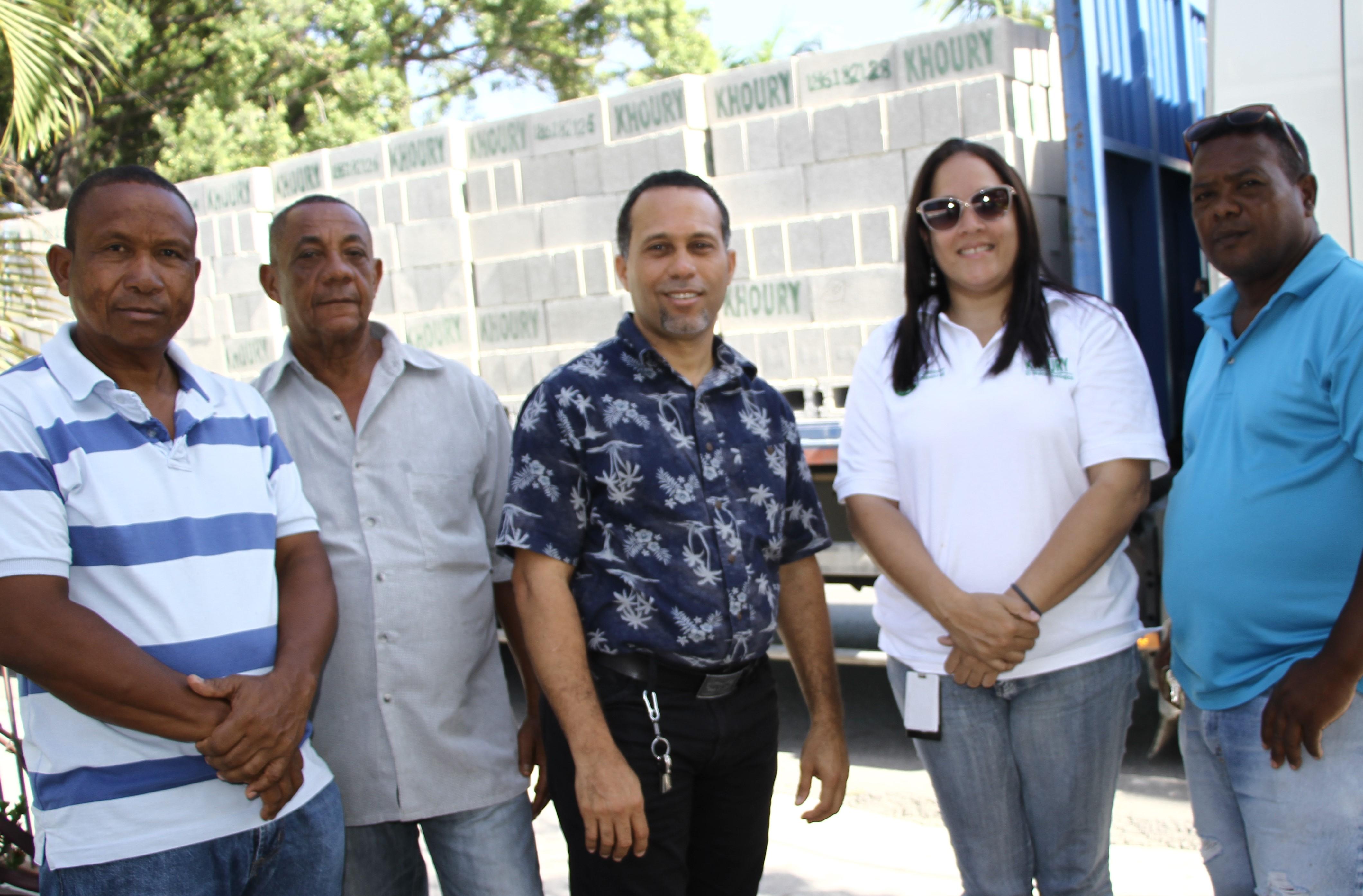 , Khoury Industrial aporta materiales para proyecto de reconstrucción de viviendas en Cabral