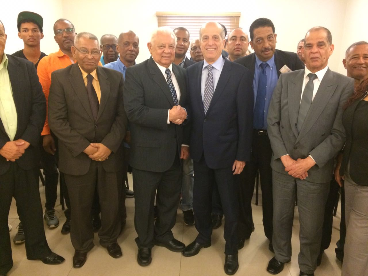 , APD realiza acuerdo político con Dominicanos por el Orgullo Nacional