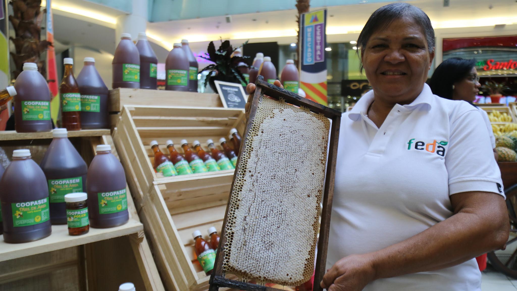 , Productores beneficiados con Visitas Sorpresa participan en Mercado Central Ágora Mall