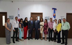 , Embajador de Corea recorre instalaciones del Centro de Acceso a la Información