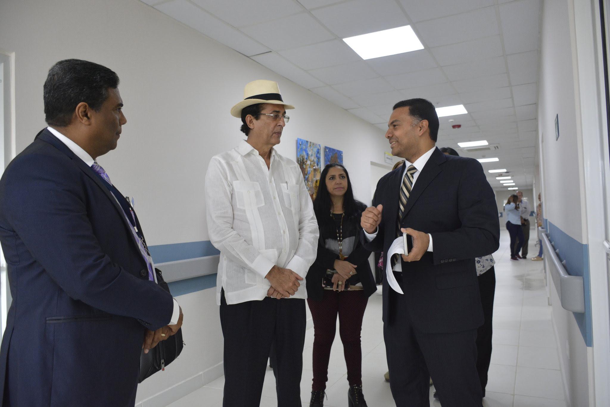 , Gustavo Montalvo, supervisa nuevas instalaciones de Ciudad Juan Bosch