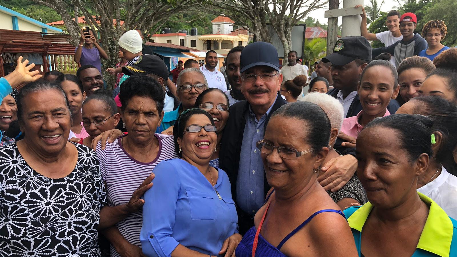 , Productores de coco y cacao de Miches reciben apoyo del gobierno