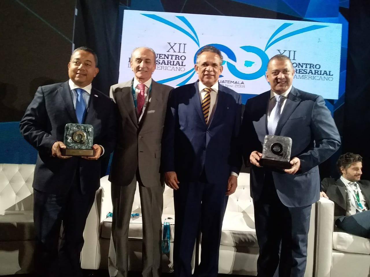 Ministro destaca importancia de Oro obtenido por IDAC en Premio Iberoamericano de la Calidad