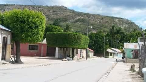 En el sector Las Caobas de Salinas demandan del cabildo reparación de aceras y contenes