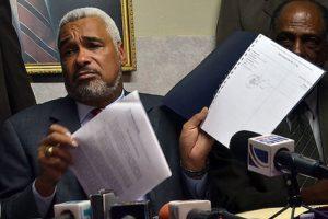 , Pide renuncia o juicio político contra Radhamés Camacho