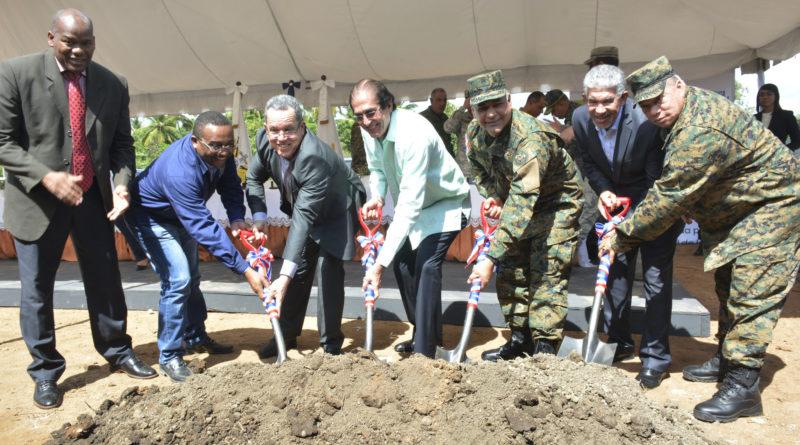 Ministros de la Presidencia y de Defensa dejan iniciados trabajos construcción Escuela Vocacional