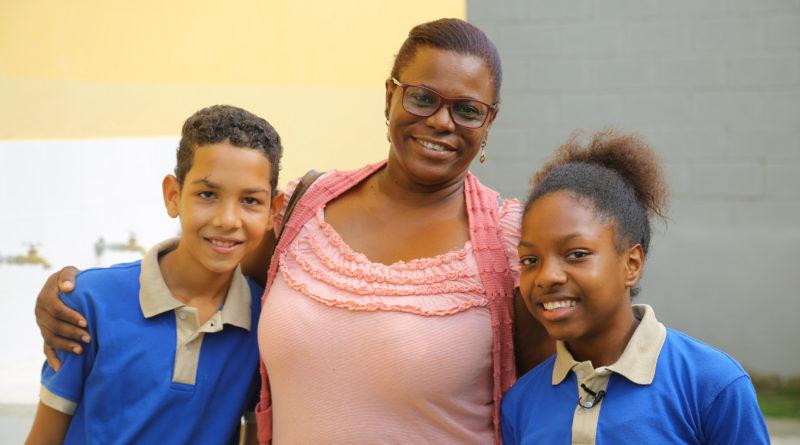 Los Guaricanos recibe escuela para 910 estudiantes