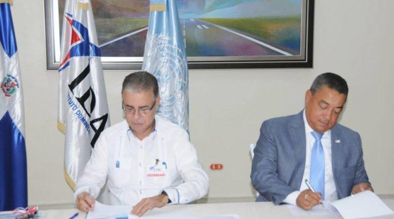 IDAC y ADOMPRETUR acuerdan plan de capacitación sobre comunicación, turismo y aviación civil.