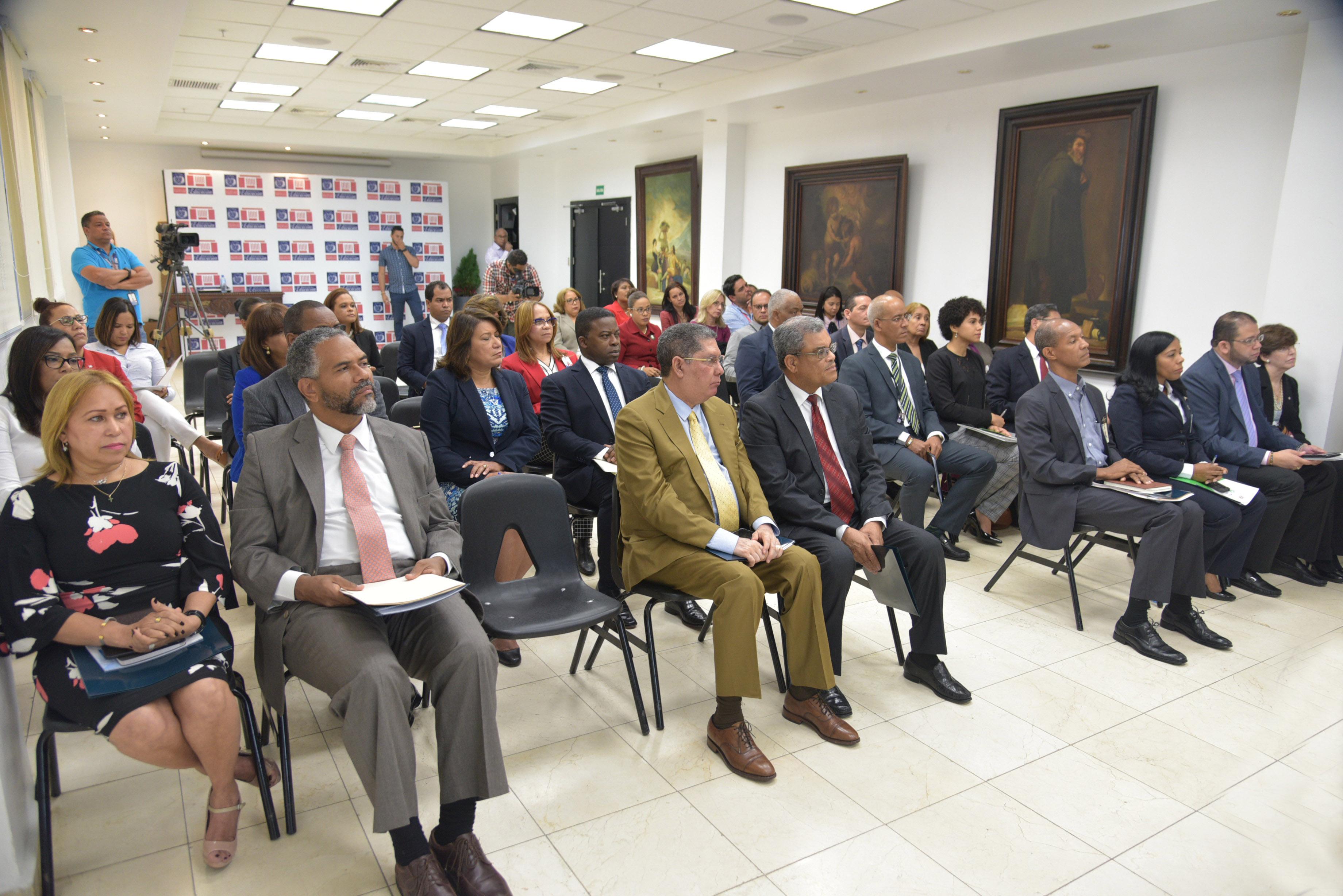 Taller, Ministerio de Educación Realiza Taller de Socialización del Plan de Mejora Institucional