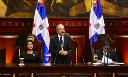 Danilo Medina anuncia aumento de salario
