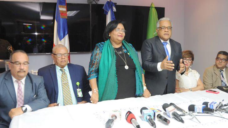 Autoridades de Salud firman convenio para fortalecer Programa Alto Costo