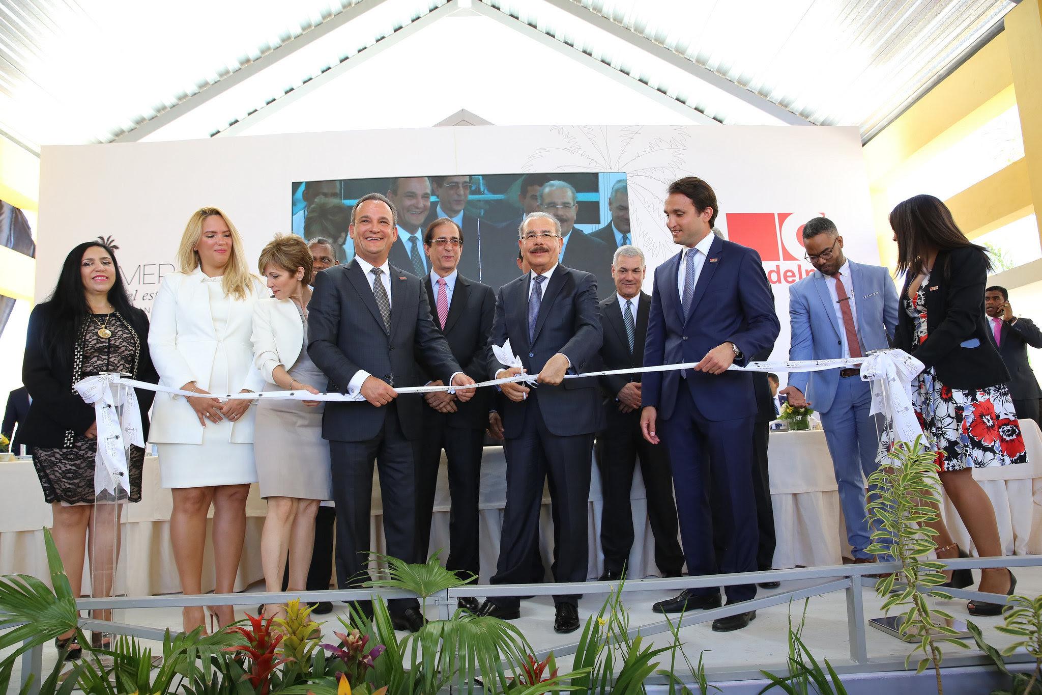 , 848 apartamentos listos para entrega en Ciudad Juan Bosch. Danilo Medina asiste a acto