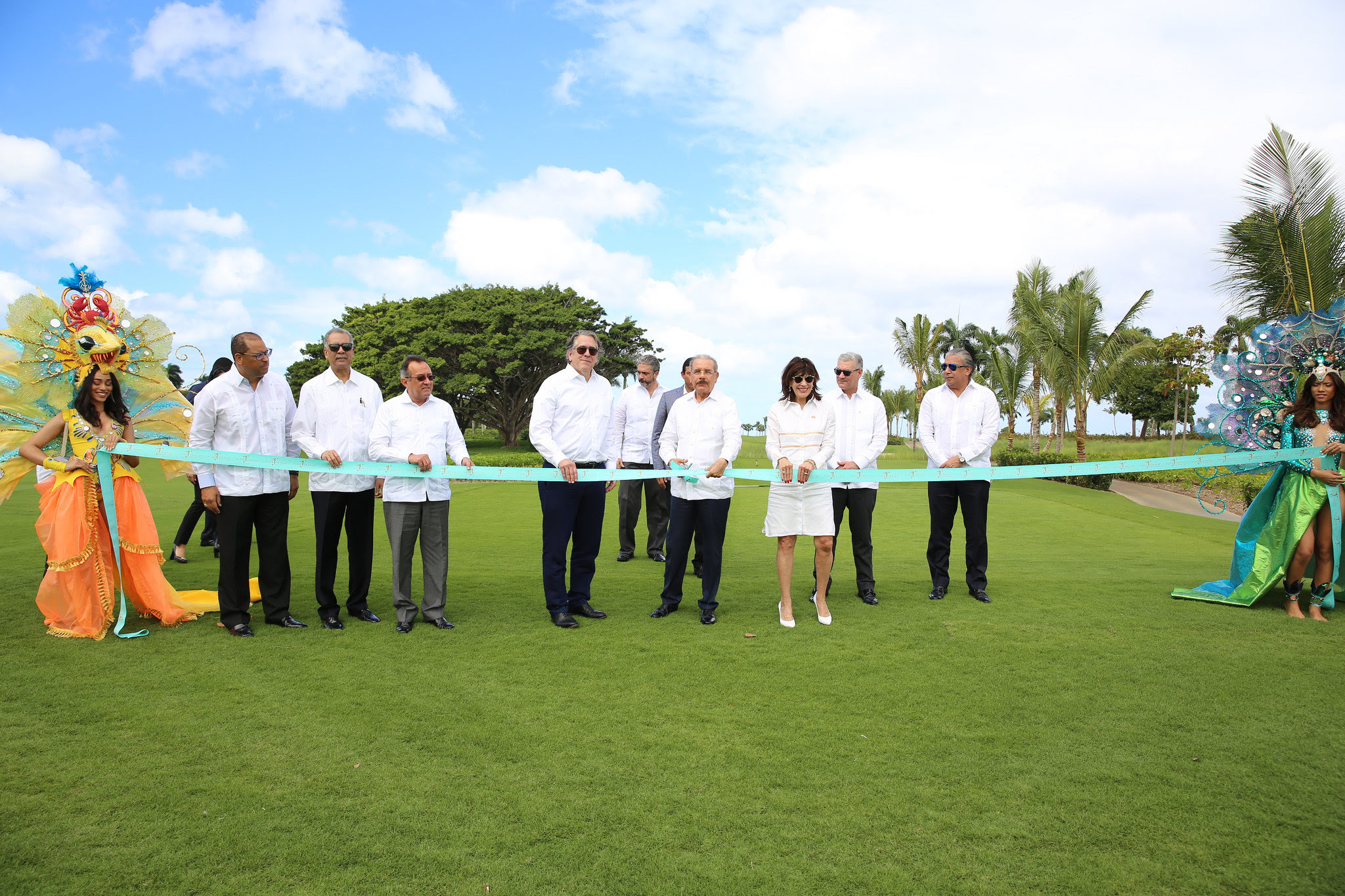 , Danilo Medina asiste a puesta en funcionamiento Playa Grande Golf & Ocean Club