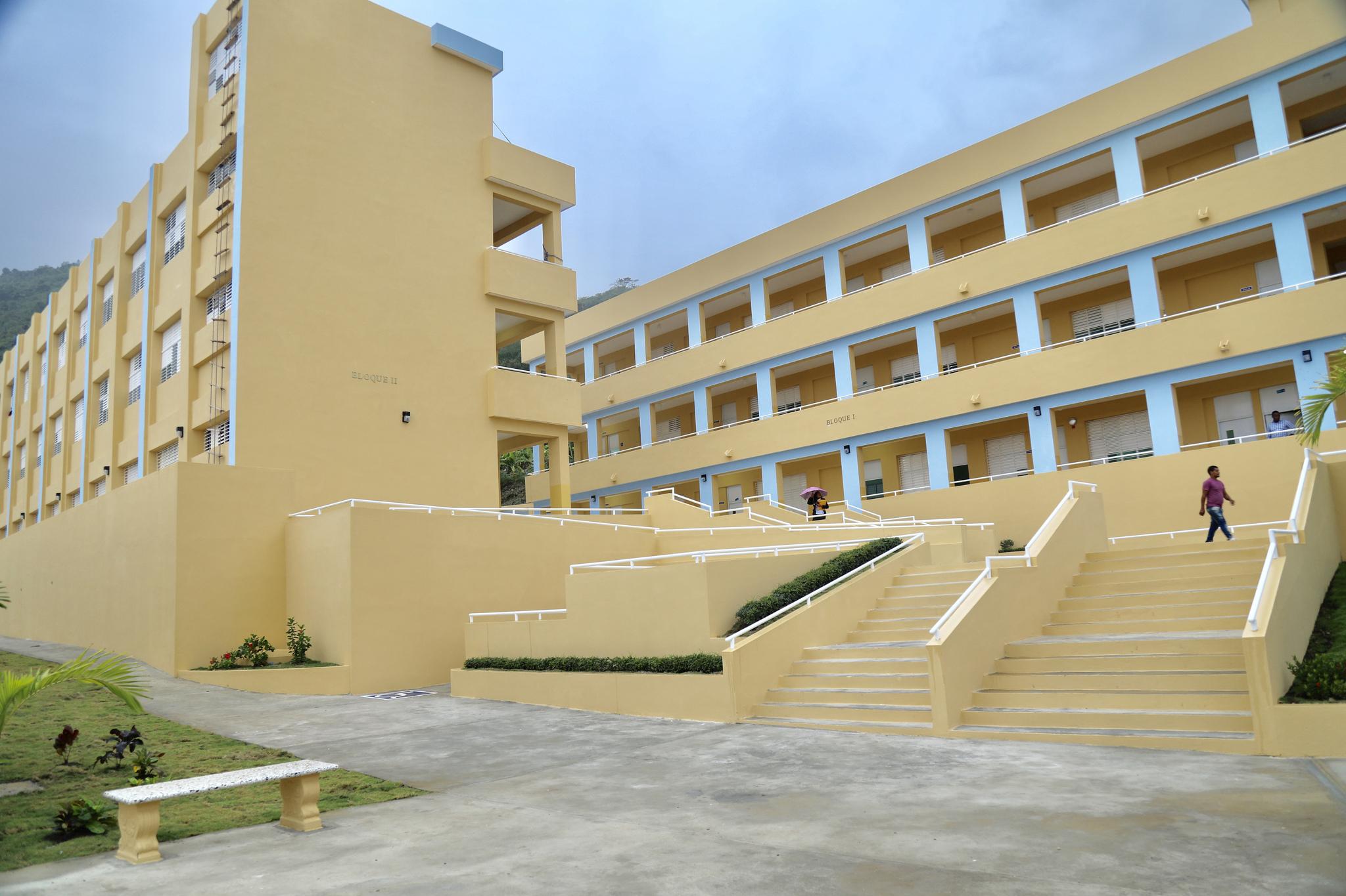 , Presidente Danilo medina entrega tres modernos centros educativos y una estancia infantil en Barahona