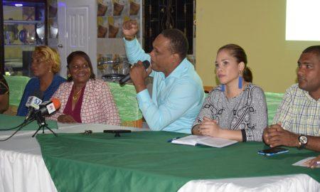 Instituciones se unen para dar una noche como estrellas para más de 100 discapacitados en Barahona.