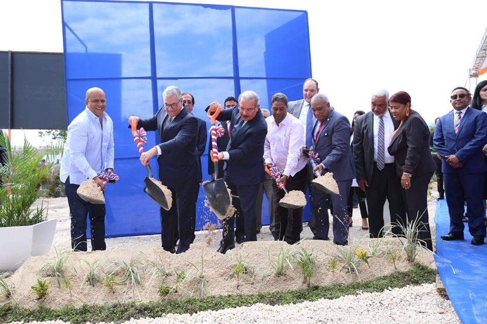 , Presidente Medina da primer palazo para dar inicio al proyecto Ciudad Esperanza en Barahona