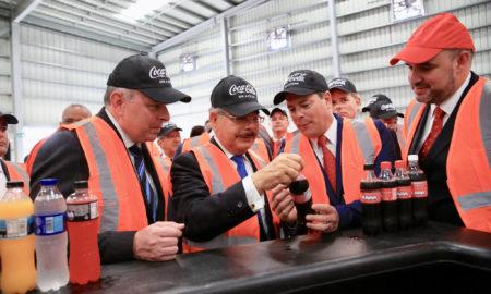 Medina asiste a puesta en marcha nueva línea de producción de bebidas de Bepensa Dominicana