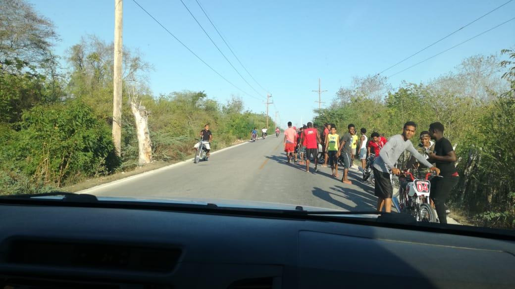 Carreras, Carreras de motores en carretera Cabral- La lista preocupa usuarios de la vía