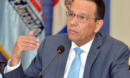 Ministro de Educación dispone transferencia inmediata de RD$624 millones a juntas de centros.