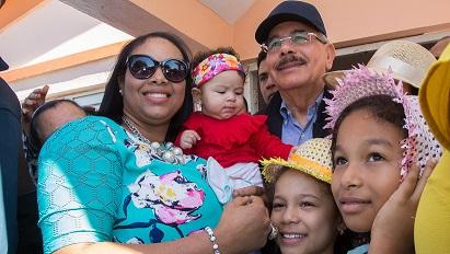 , Danilo Medina: estamos creando las condiciones que permitan a las mujeres dominicanas conquistar su independencia en todos los órdenes