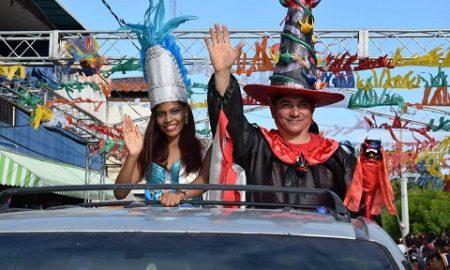 Cabral realizó un inolvidable desfile de carnaval el sábado de gloria