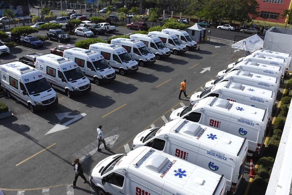 , Salud pública recibe 25 ambulancias para el 911