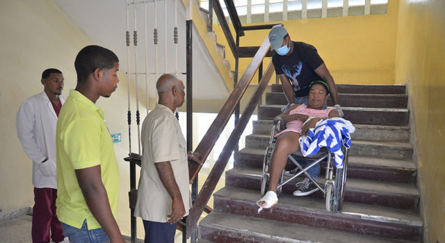 , El hacinamiento reina en el hospital regional Jaime Mota
