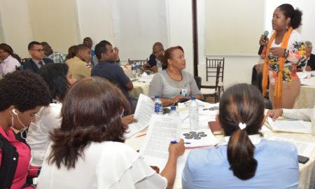 Minerd realiza taller para socializar manual sobre género