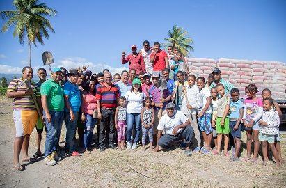 CAC contribuye con la construcción de cancha en Hato Viejo