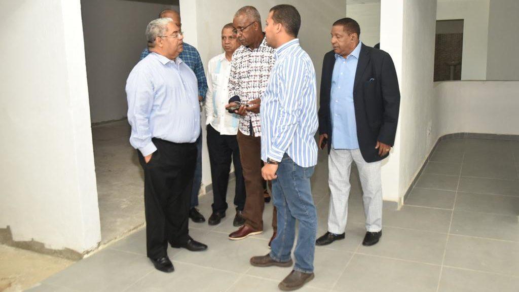 , Director del SNS se reúne con directivos del Club Mauricio Báez