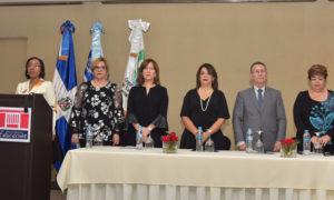 Educación, Entidades Educativas presentan proyectos de tesis sobre post grado en gestión de Centros