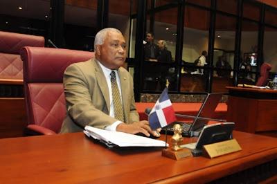 """Senador saluda decisión de la UNESCO que declara la bachata """"Patrimonio Cultura e Inmaterial"""" de la humanidad"""
