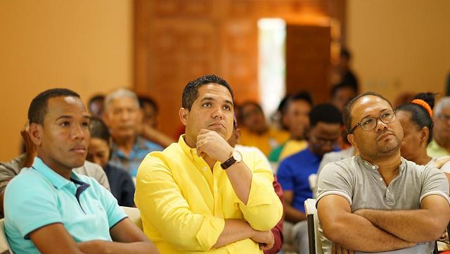 , Imparten taller sobre el uso correcto de las Redes Sociales en La Descubierta