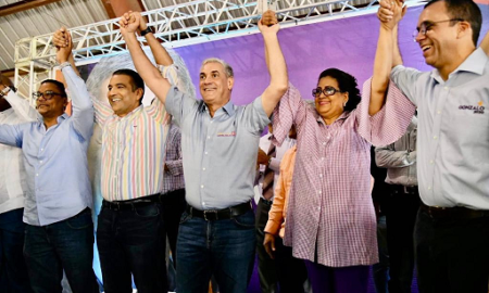 """Gonzalo castillo confía en la JCE, y aconseja a la oposición que quienes deben ganarse la confianza del pueblo """"somos nosotros los candidatos y partidos políticos"""""""