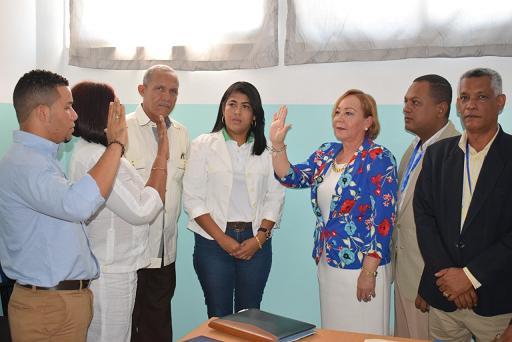 , Rosa Ariza juramenta directora Hospital Municipal de La Descubierta