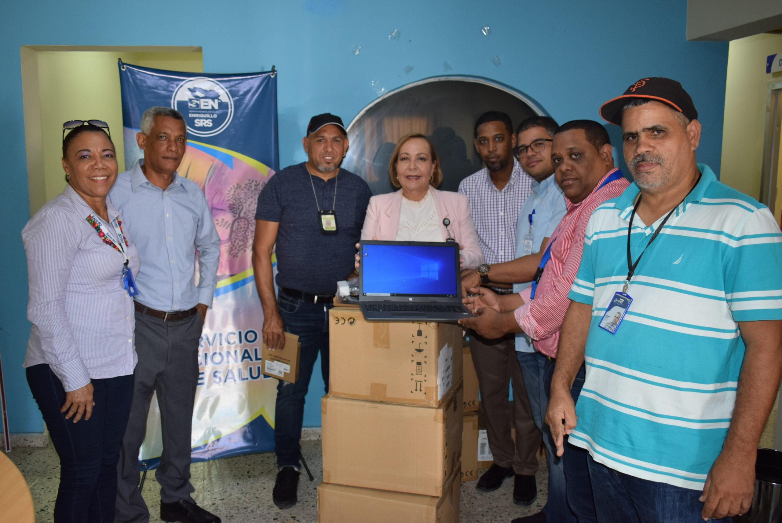 Laptop, SNS  dotó de 30 Laptop a la región de salud Enriquillo
