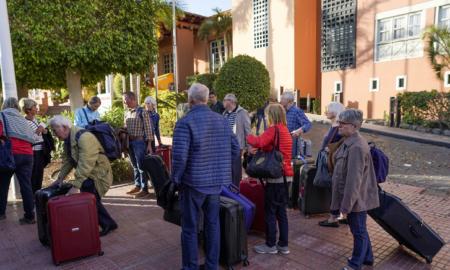 """Se caen las reservas en los hoteles españoles por el """"tsunami"""" del coronavirus"""