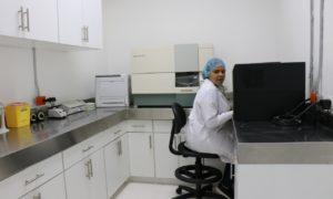 SNS habilita laboratorios para pruebas de seguimiento al VIH