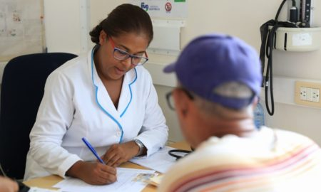 Funcionan con regularidad las consultas externas y puestos de vacunación en RD