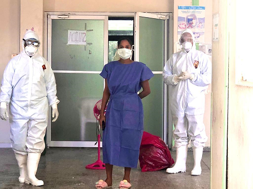 , Dan el alta a primera paciente recuperada de Covid-19 en el Hospital Jaime Sánchez de Barahona