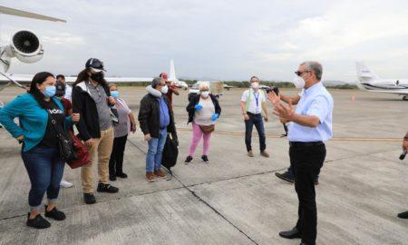 Gonzalo Castillo trae a 12 dominicanos más que atravesaban dificultades e New Jersey