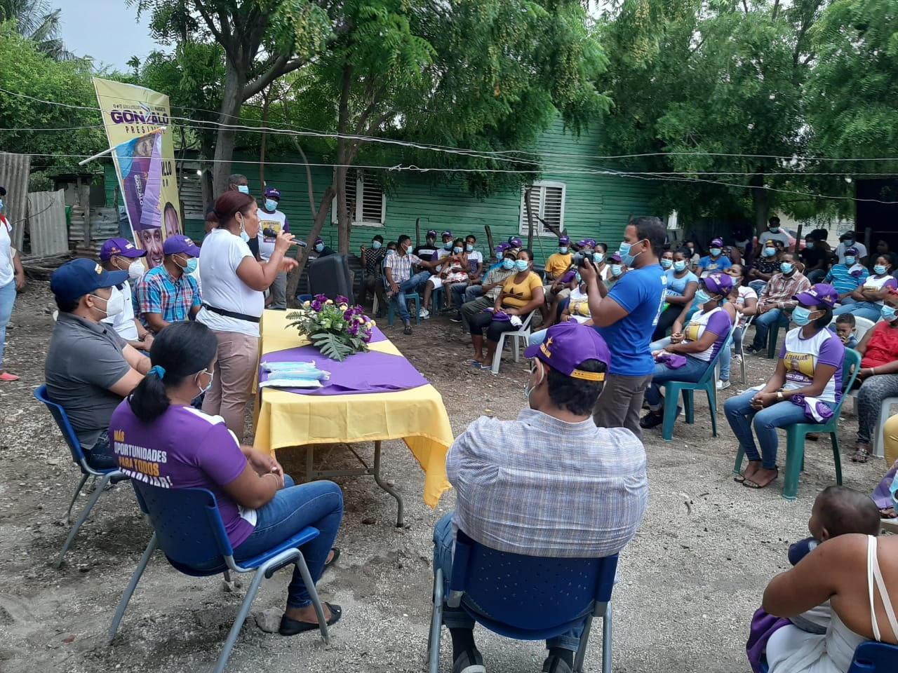 , Ruddy María Méndez (Ñiñin) se mantiene como favorita para ganar la candidatura a diputada de Barahona