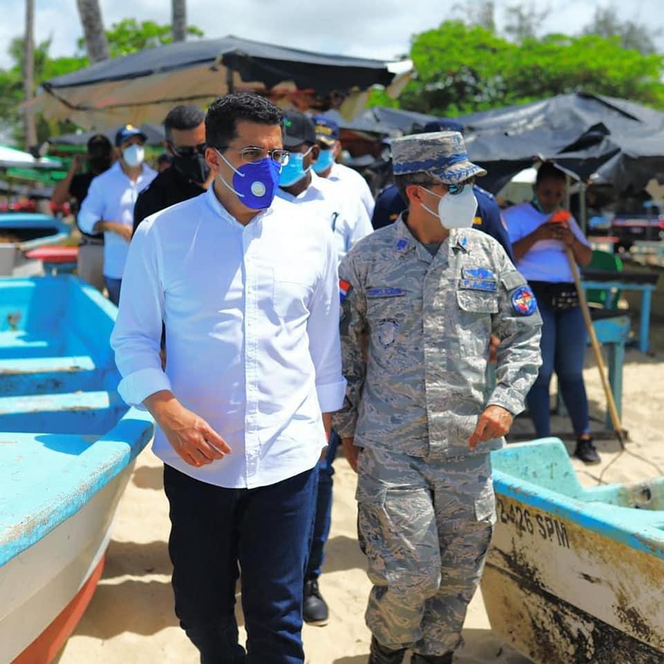 , Ministro de Turismo realiza su primera  Visita a playas del Este