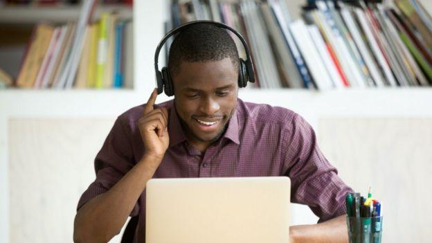 , 8 claves para pasar con éxito en una entrevista de trabajo por videollamada