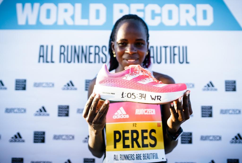 , Peres Jepchirchir rompe el récord mundial de la media maratón de mujeres