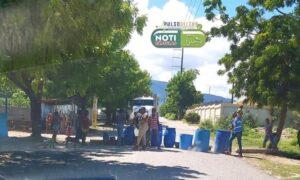 Mujeres Del Brisal en Cabral se lanzan a la calle