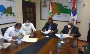INDESUR y Comedores Económicos Firman Acuerdo de Cooperación