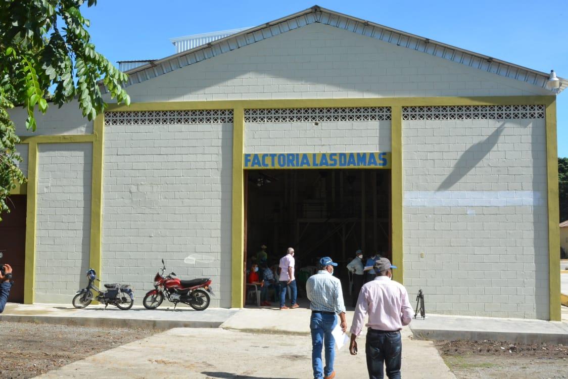 Director IAD visita Factoría Las Damas en San Juan